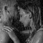 Foto: Wolfgang Fricke | Model: Miriam & Marcel | aus einem Shooting mit dem neuen Wasserbecken & Dusche